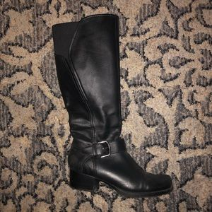 Wide calf black riding boots.